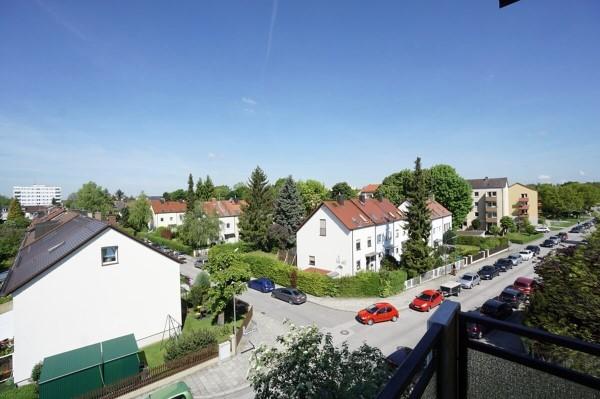 Freie 3 Zi München Moosach Mit Schönem Ausblick Und Gutem Grundriss