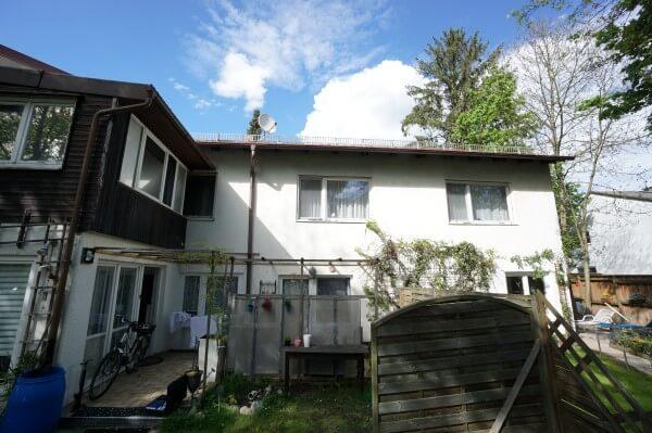 Renovierungsbeduerftiges 2-Familienhaus in Krailling