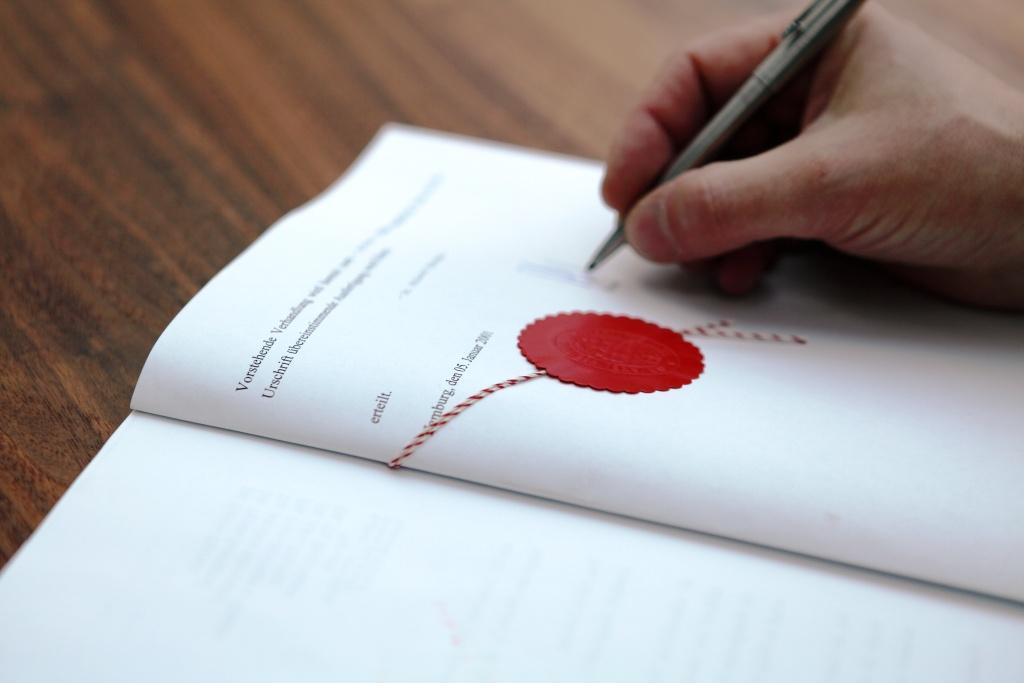 Das Ziel - die Unterschrift beim Notar
