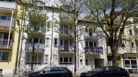 VERKAUFT – Lichtdurchflutete Dachmaisonettewohnung mit Südbalkon, 81673 München, Etagenwohnung