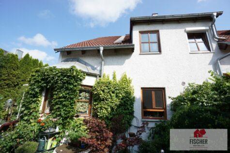 VERKAUFT – Charmantes Eckhaus in Gröbenzell, Nähe Olchinger See, 82194 Gröbenzell, Reiheneckhaus