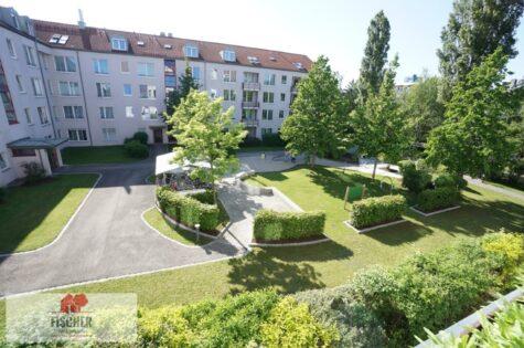 VERKAUFT – Neuwertige, vermietete 2-Zi. in Berg-am-Laim direkt am Park, 81673 München, Etagenwohnung